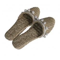Zapatillas con borlas